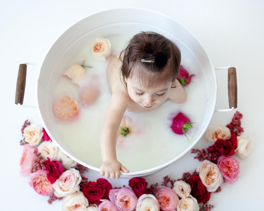 Baby_Milk_Bath_Floral_Shoot_Bowmanville_Durham_Region_Petra_King_Photography