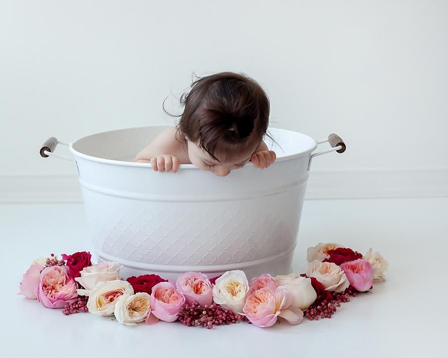 Baby_Milestone_Photography_Milk_Bath_Bowmanville_Petra_King_Photography