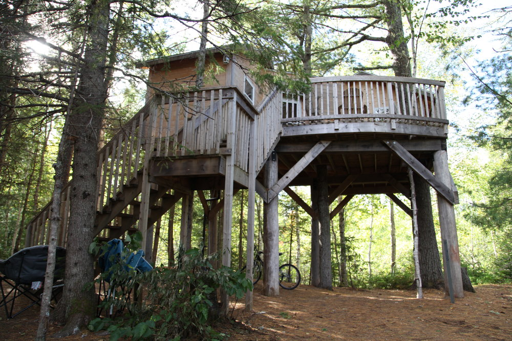 Tree Houses - Units that sleep 4, 5, 6 and 7, fire pits, decks with chairs. Some have washrooms, power and mini fridges- see specific tree houses for full details
