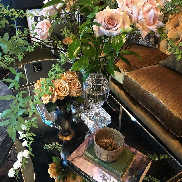 Live our blooms from a few weeks ago for our favorite clients #designporn #bardecor #barkeeper #interiordesign #designdetails