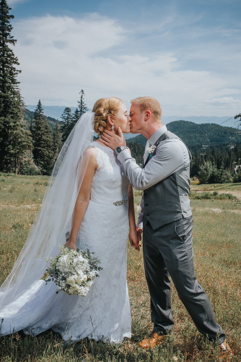 Schweitzer Mountain Lodge Wedding by Bill Weisgerber Photography (31).JPG