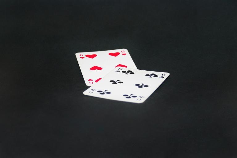 CroppedFocusedImageWyI3NjgiLCI1MTIiLGZhbHNlLDBd-paying-cards-995676-1920.jpg