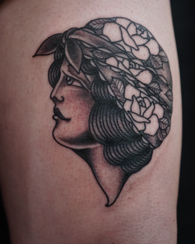 black n grey gypsi lady tattoo