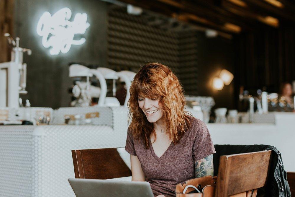 4 COURS DU SOIR - Nos modules de formation s'effectuent en ligne ou en cours du soir au rythme de 1 cours du soir / semaine.Un travail personnel sur notre plateforme en ligne est requis entre chaque cours.