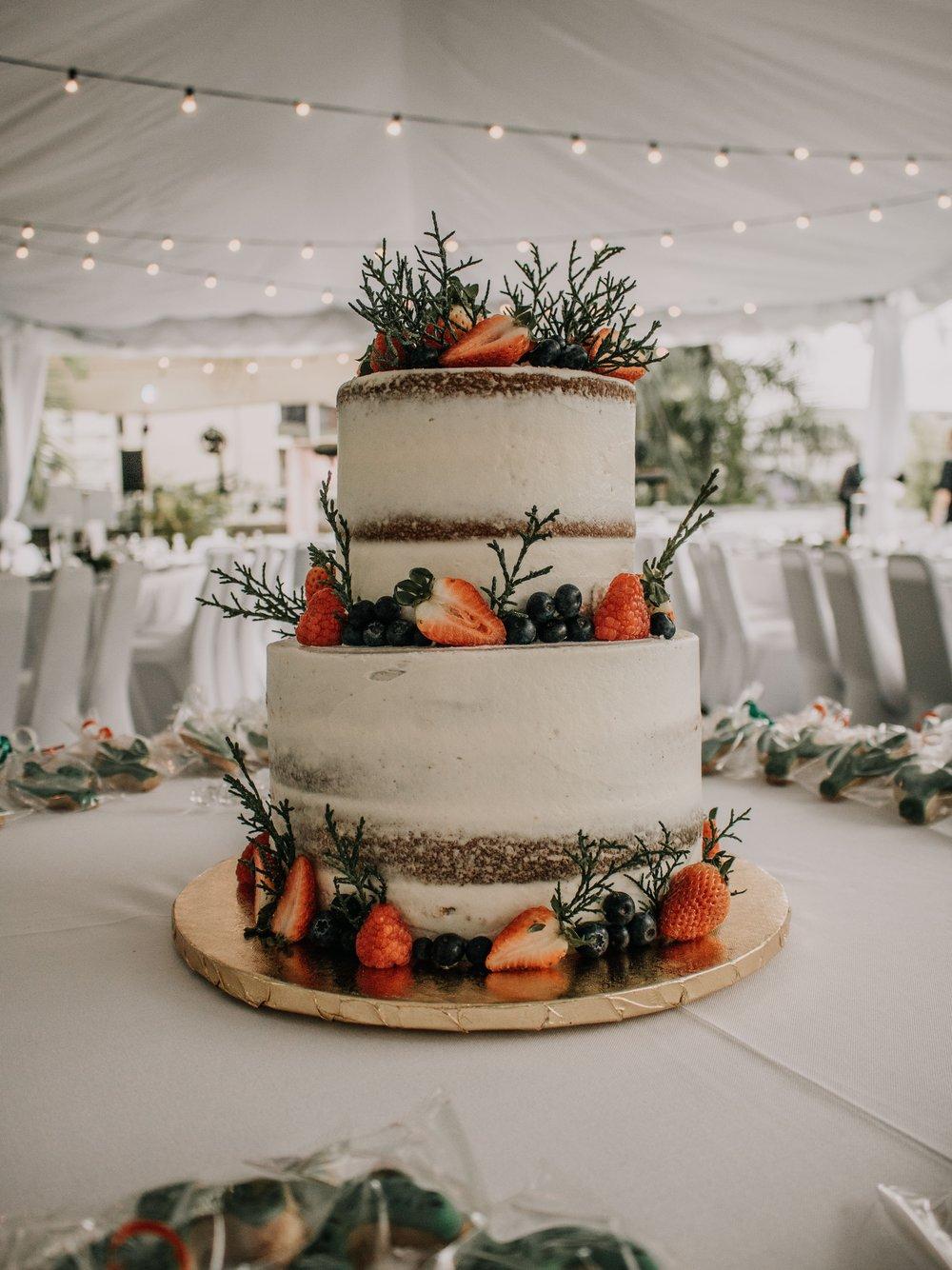 wedding-cake-setup-wedding-table.jpg