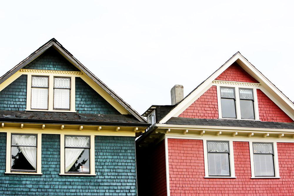 https___www.lifeofpix.com_wp-content_uploads_2016_10_Life-of-Pix-free-stock-houses-colors-sky-LEEROY.jpg