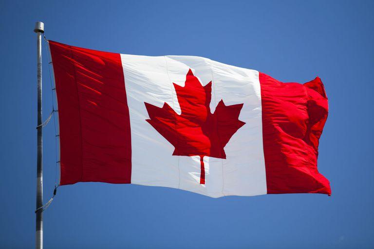 national-flag-canada-lge2-56a0e57f5f9b58eba4b4f422.jpg