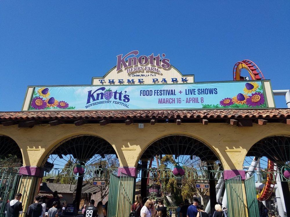 Knotts Entrance