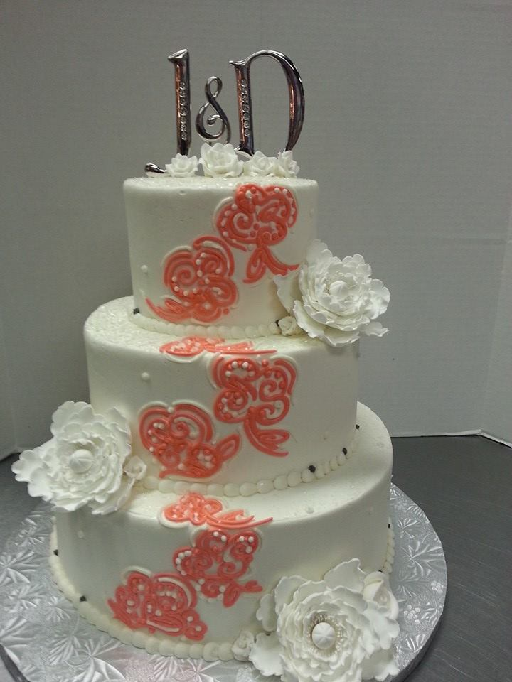 Hand piped flowers Wedding Cake