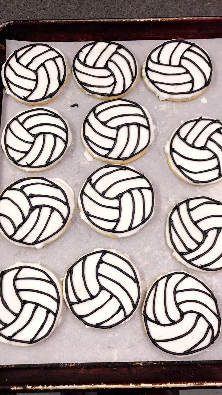 vollyball cookies.jpg
