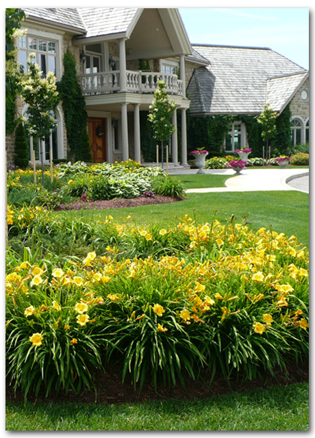Summer Lawn Maintenance - May 1- October 31