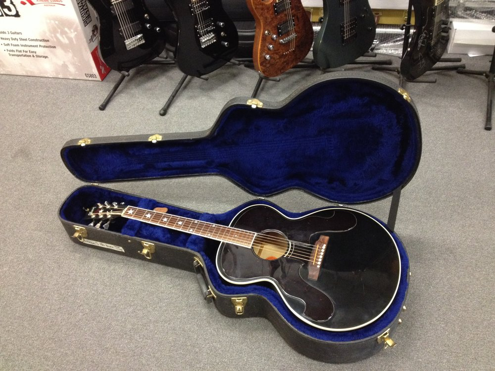 Gibson J180