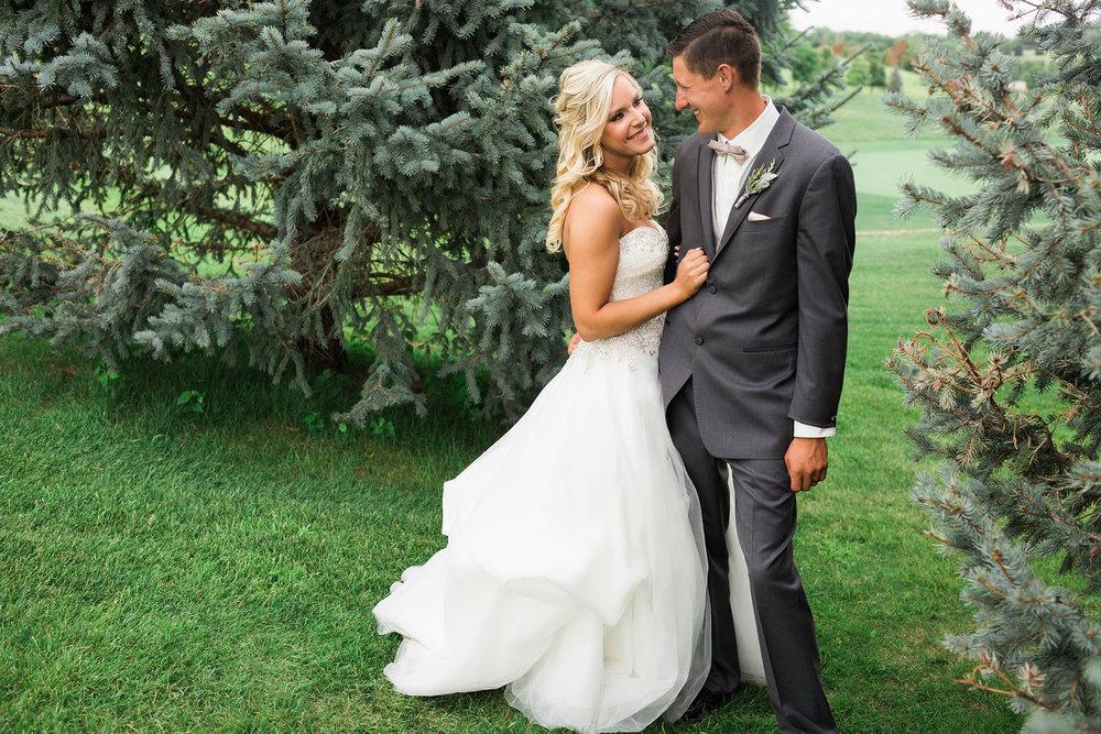 Indian_Creek_Country_Club_Omaha_Wedding_Danielle_Paul-371.jpg
