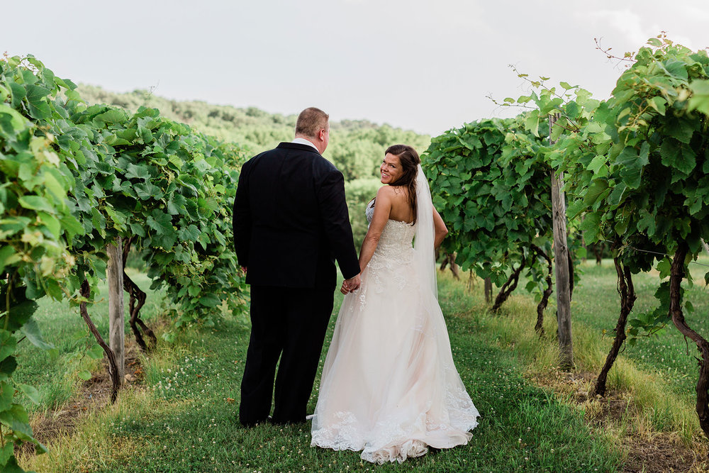 Slattery_Vintage_Estates_Nebraska_Wedding_Kerry_Jay-317.jpg