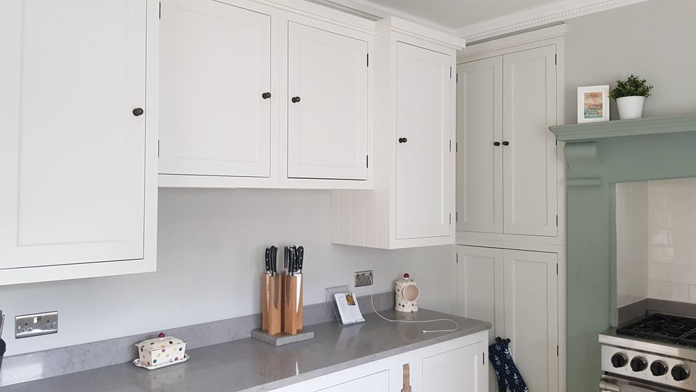 Henley painted kitchen by Robert James Interiors (10).jpg