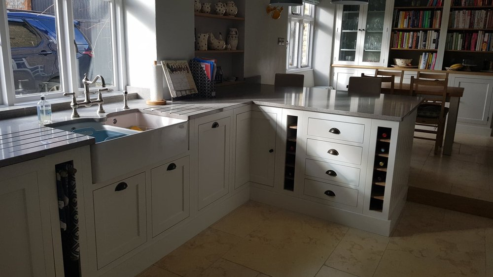 Henley painted kitchen by Robert James Interiors (9).jpg