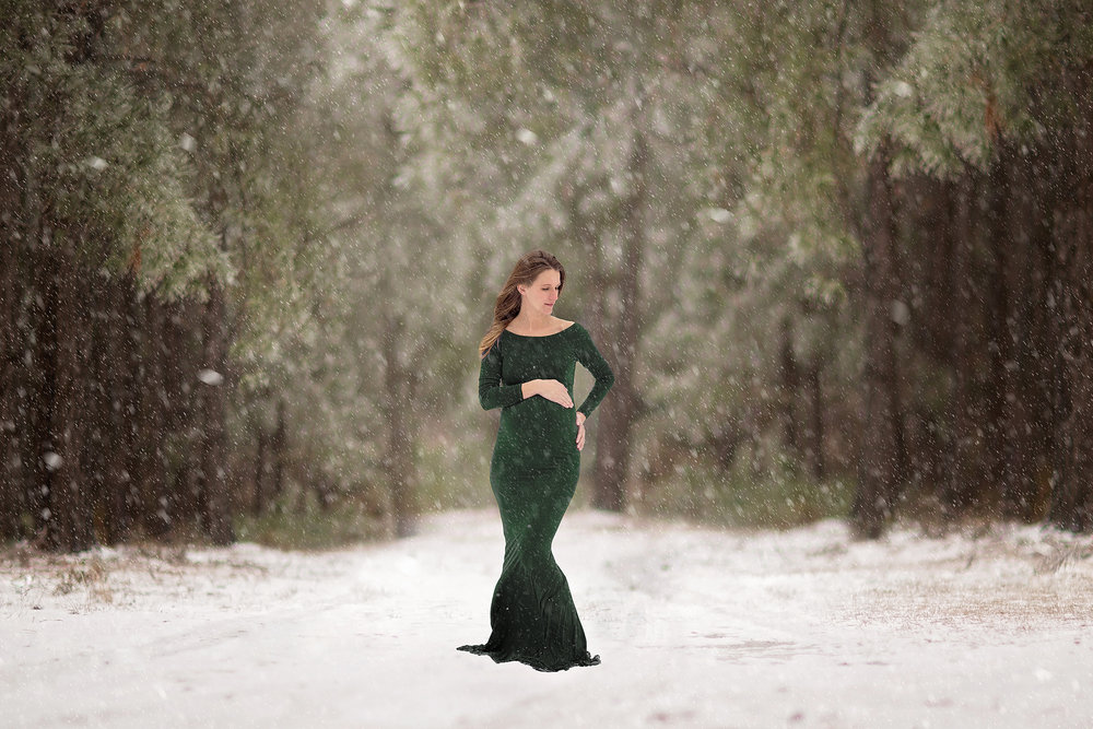 Also a little biased, but when your best friend is pregnant and lets you play in the snow, magic happens! So thankful we were able to do this session!