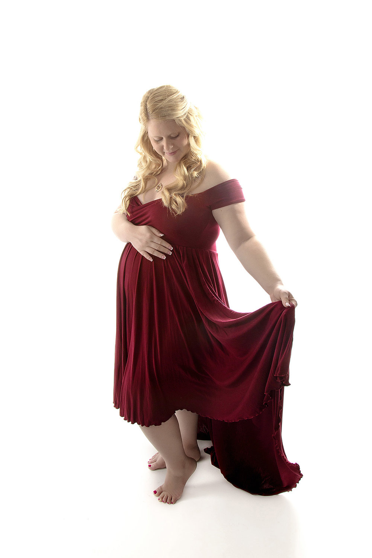 Angie_Englerth_Lancater_Maternity_Photographer_Wardobe_Red_001.jpg