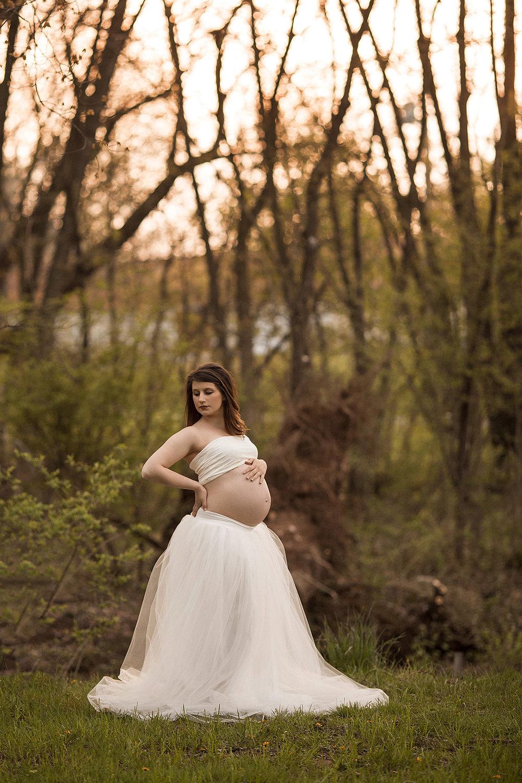 Angie_Englerth_Lancater_Maternity_Photographer_Wardobe_White_003.jpg