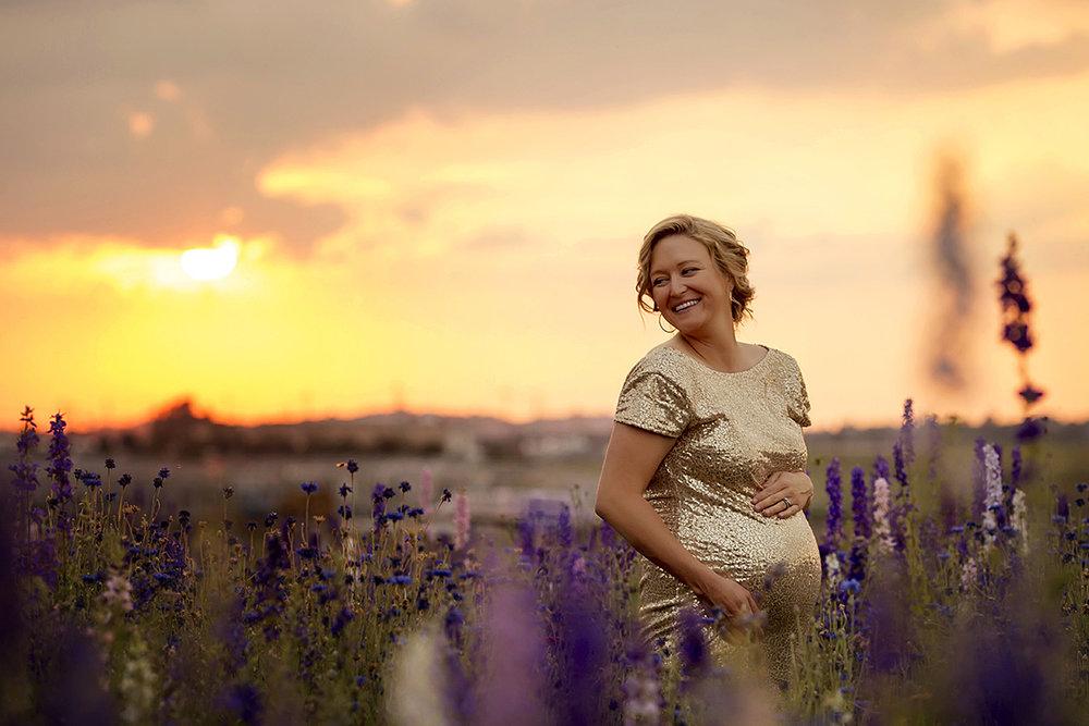 Angie_Englerth_Lancater_Maternity_Photographer_Wardobe_Yellow_002.jpg