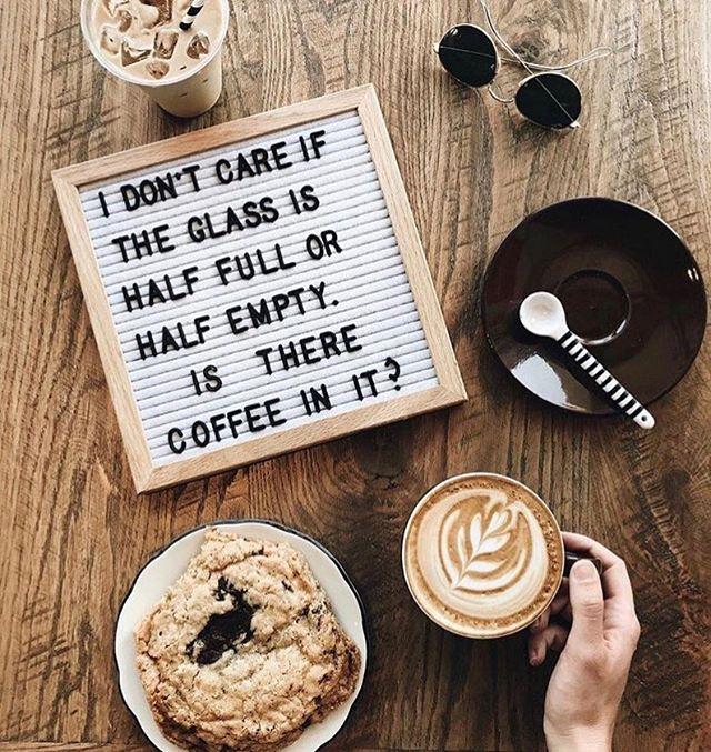 Fredag igen ☕️ Tiden går så fort när man har roligt! Vi på kaffebaren vill önska alla en trevlig helg😊🎈 #coffee #friday #friyay