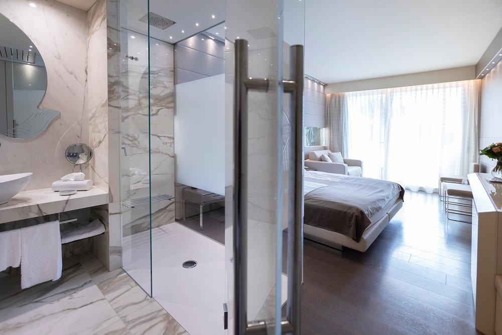 park_hotel_imperial_camera_junior_suite_hotel_vista_lago311.jpg