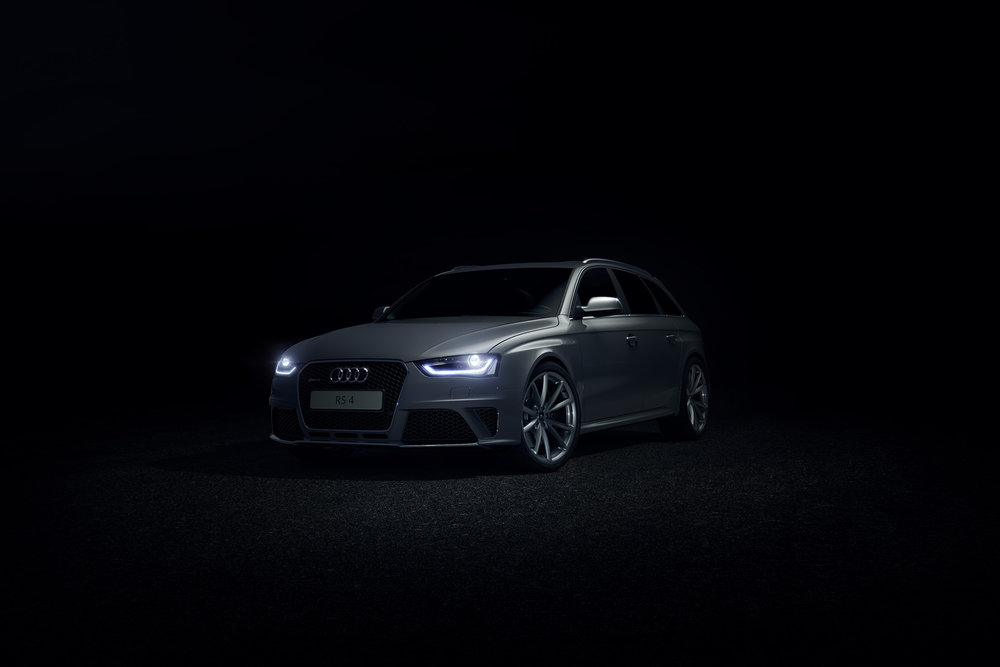 Audi_RS4_Dark_Road.jpg