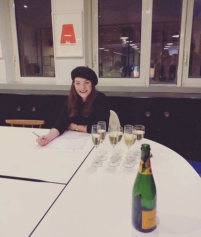 Oh Hi! I've got a new Music Family @marathonartists 👋❤️ my new record label!! And yes all that bubbly is for me. 🥂🍾