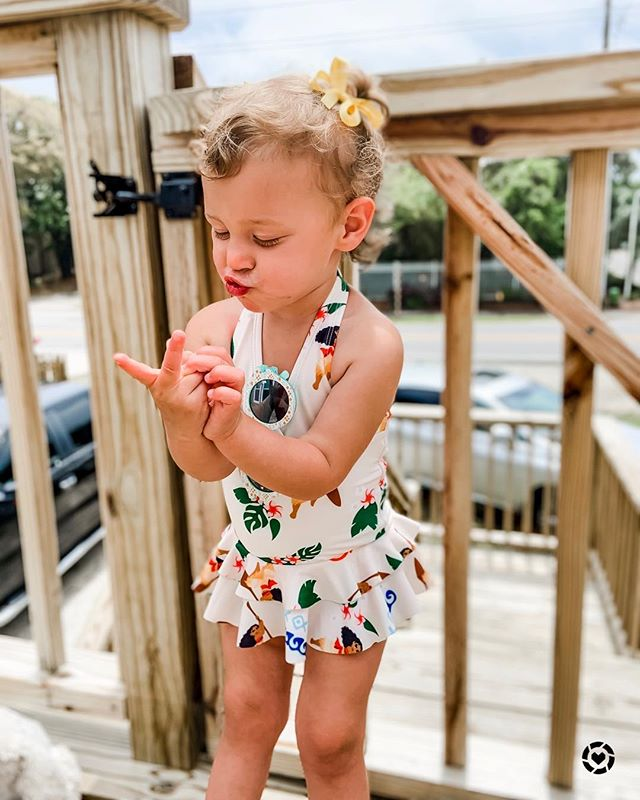Counting down the days until her next vacay ✌🏼#mykindagirl #dallaslively . . .  http://liketk.it/2BcYs #liketkit @liketoknow.it #2yearsold #toddlerfashion