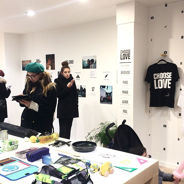 Managed to get down to the Choose Love store in Soho today, great project put together by the people at @weglimpse and @helprefugeesuk ❤️ everyone go and buy warm things for refugees this Christmas!  #chooselove #glimpse #collective #socialgood #change #shopyourheartout #sharethelove #creative #socialchange #skills #ideas #collaborate #london #18broadwickstreet