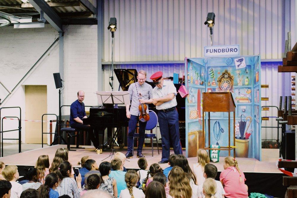 Das Kinderkonzert zusammen mit dem Duo Liepe und dem Schauspieler Jörg Schade