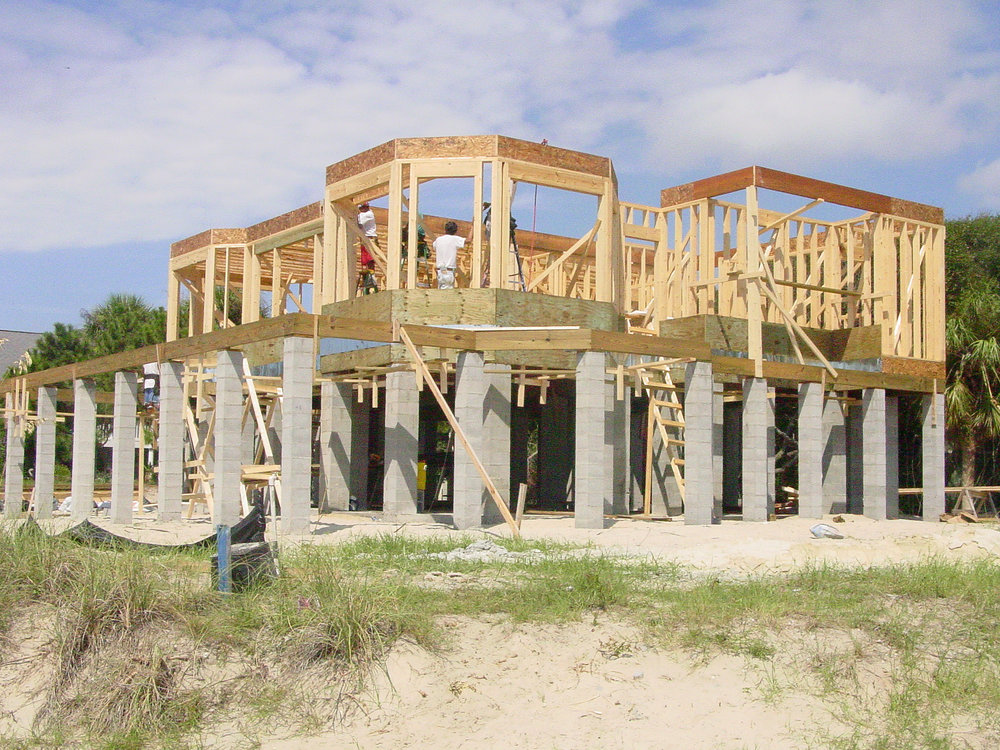 The Builder - Sand & Seas Builders, LLC is owned by Don Peel Sr. Don is a current resident of Fripp Island and has been coming to Fripp since his family purchased their first home here in the 1960s.