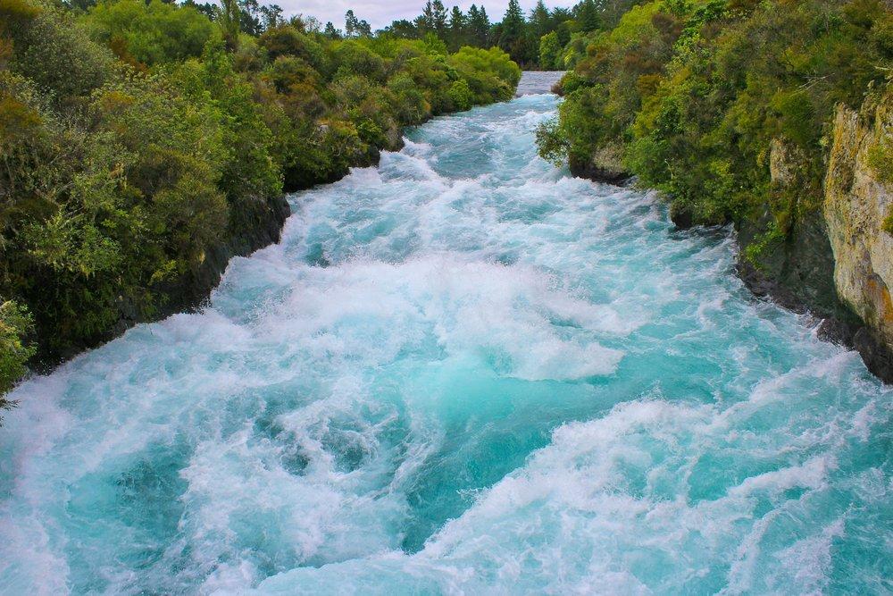 huka-river-50911_1920.jpg