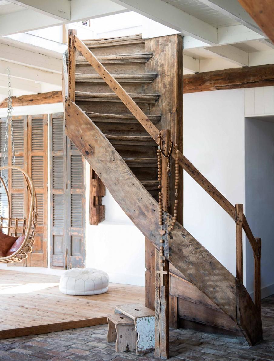 7-oude-houten-trap