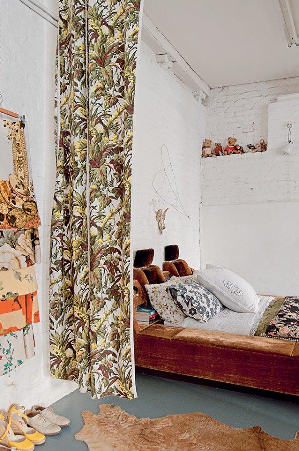 chambre_avec_rideaux_vintage