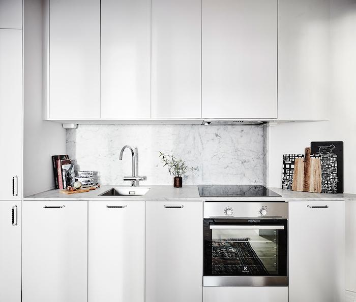 compact-kitchen-swedish-apartment.