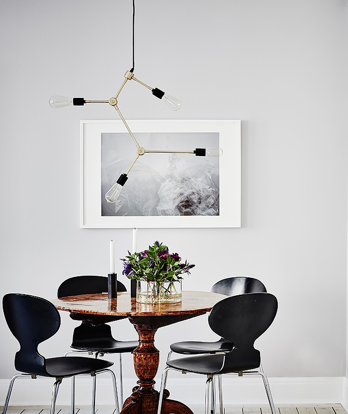 dining-table-swedish-apartment.