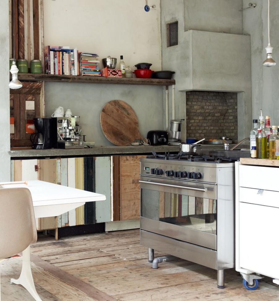 naarden-hoekwoning-sloophouten-keuken-metalen-fornuis
