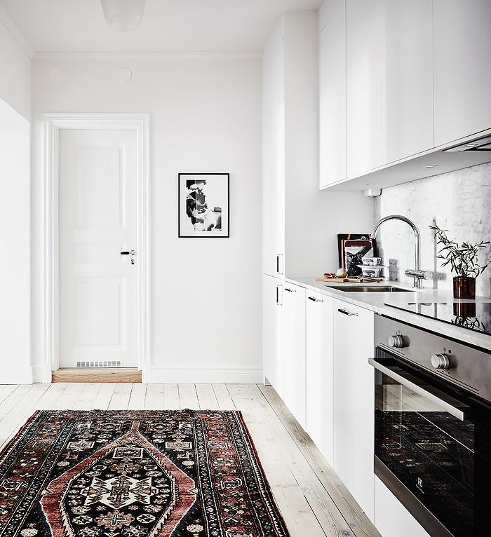 white-kitchen-swedish-apartment