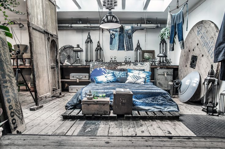 I wouldn't mind betting than most of you live in denim. I certainly do, the older the better.You can wear pretty much anything with them, dress them up or down…So why not use it in your home too? it could be a sofa, a rug, a feature wall, some bedding or just a wall painted in blue….