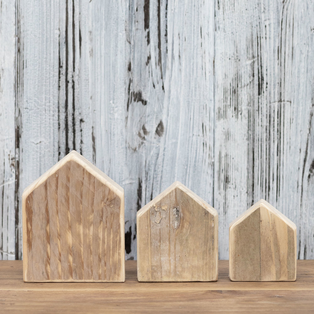 wooden houses - Nothing gets wasted at Vincent Trading! These super cute little wooden houses are made from off cuts from boards.
