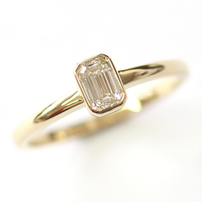 18ct Yellow Gold Solitaire Emerald Cut Diamond Engagement Ring 3.jpg