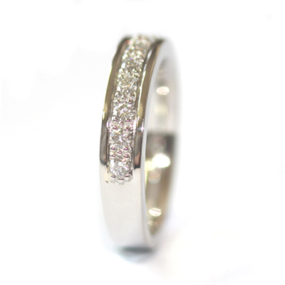 Platinum Grain Set Diamond Wedding Ring with a Border 4.jpg