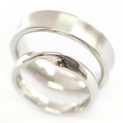 Platinum Satin Finish and Twist Wedding Ring Set 3.jpg