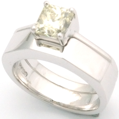 18ct White Gold Handmade Plain Fitted Wedding Ring 1.jpg