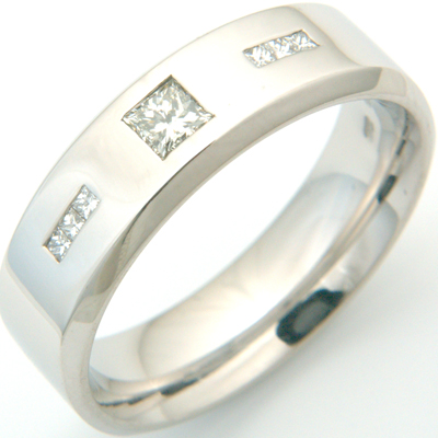18ct White Gold Gents Princess Cut Diamond Wedding Ring 1.jpg