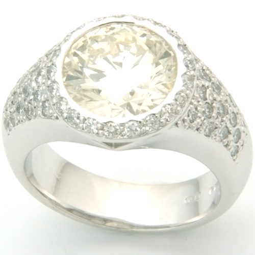 18ct White Gold Diamond Pave Dress Ring.jpg