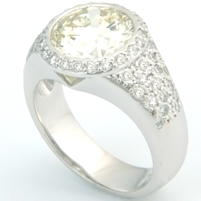 18ct White Gold Diamond Pave Dress Ring 1.jpg