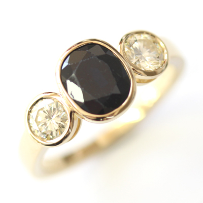 18ct Yellow Gold Black Sapphire and Diamond Trilogy Ring 4.jpg