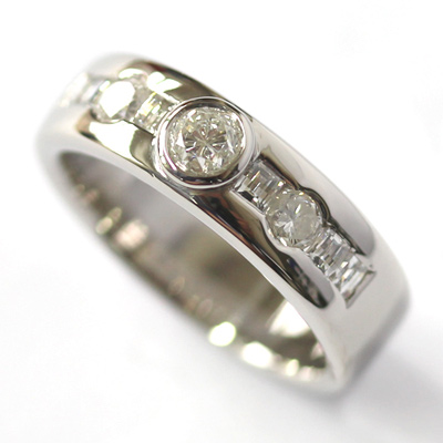 Palladium Rub Set Diamonds Dress Ring 1.jpg